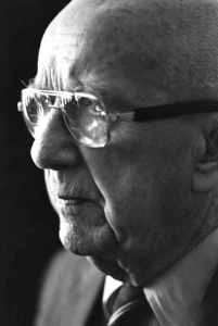 BuckminsterFuller-PHOTO-profile-1984